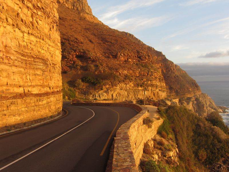 Battle of the road - cyclists vs motorists vs pedestrians on Chappies